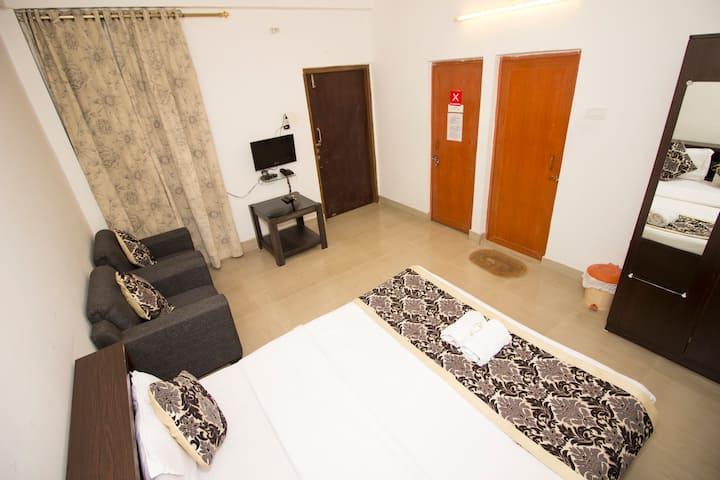 TIA-INN Homestay (Executive Room 205)