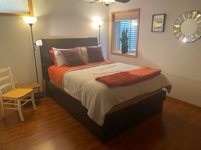 Full Floor of Living Space, Close to NIU Queen Bed