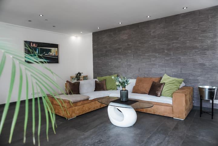 Neu gebaute Ferienwohnung nähe Siebengebirge/Bonn