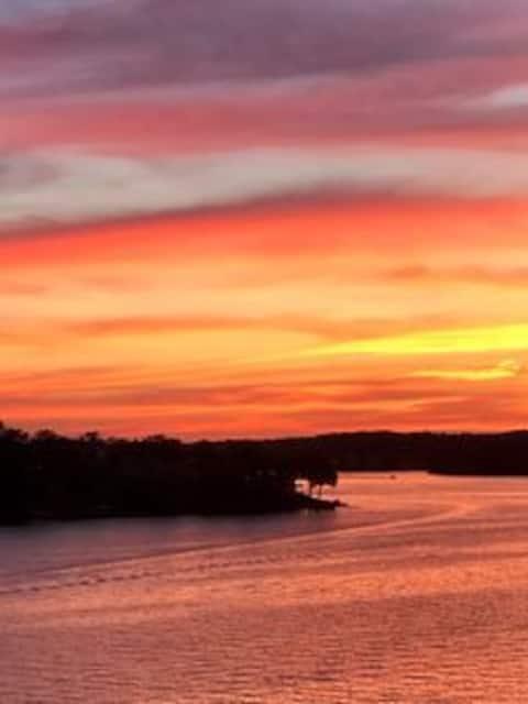Unmatchable Sunset Views & Convenient Location
