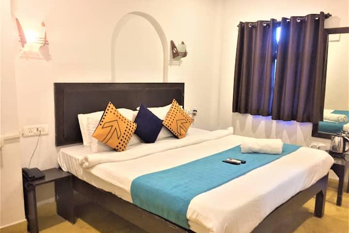 Comfort Stay with Breakfast  in Baga, Anjuna, Goa