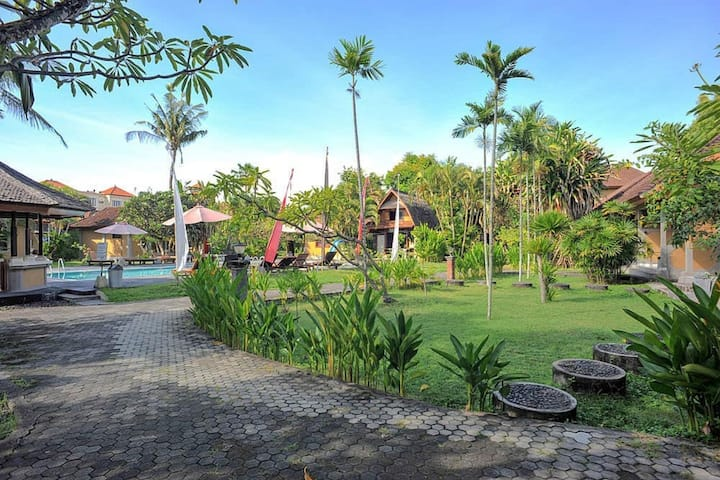 Bungalow near Kuta Beach with affordable price