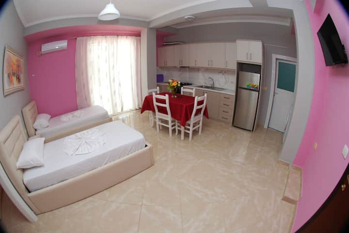 Vila Alvin Apartment with Balcony