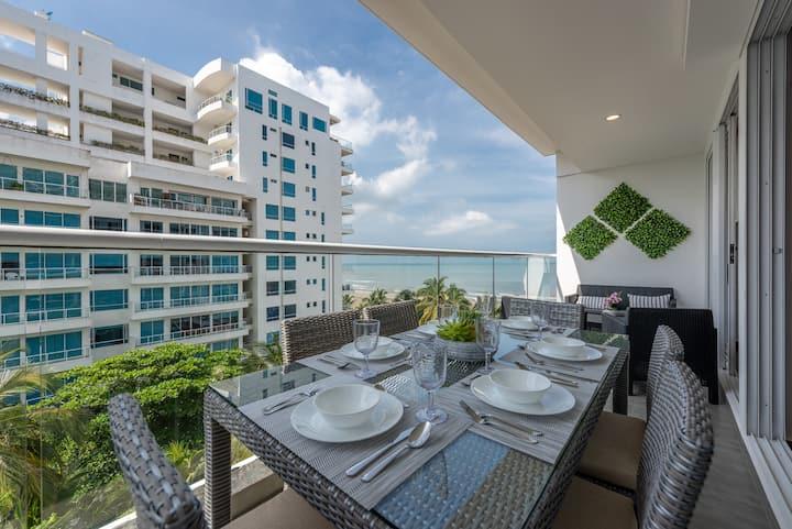Hermoso y Moderno Apartamento con Vista al Mar