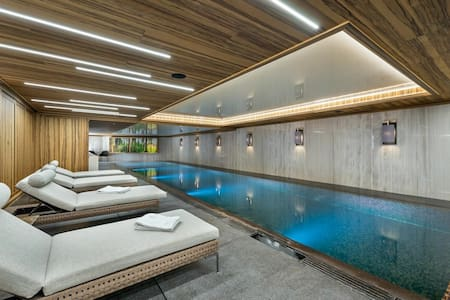 NEW LUXURY 6BDRS CHALET WITH PRIVATE POOL & SAUNA
