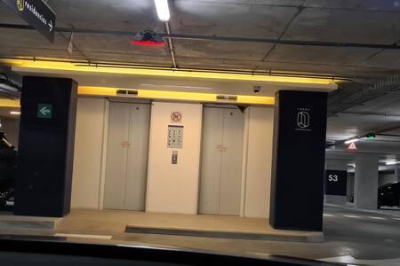 si ingresar desde el sótano, hay rampa de acceso al mismo