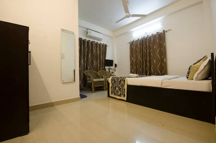 TIA-INN Homestay (Room 203)