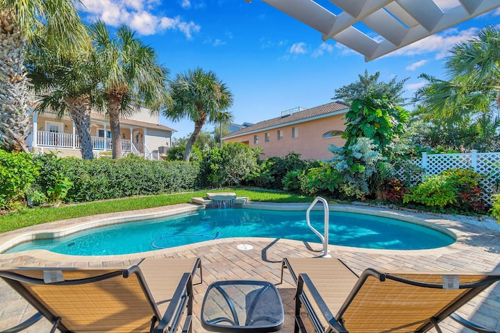 Relax & Recharge: 3 bd\2 ba/Pool ~10 min to sand