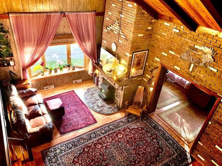 Spacious  Adirondack house in Otter Lake