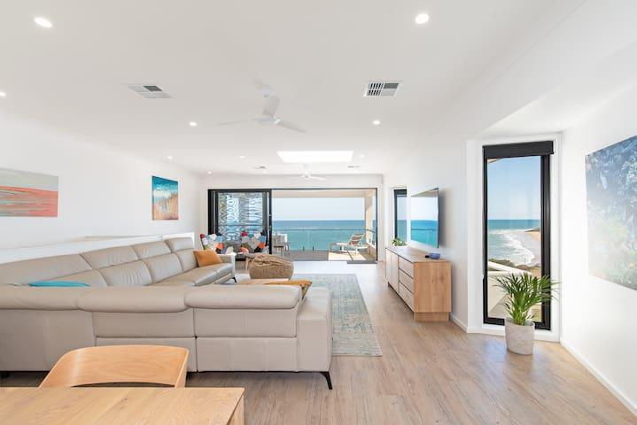 Modern, Large, Beach House - Amazing Coast Views!