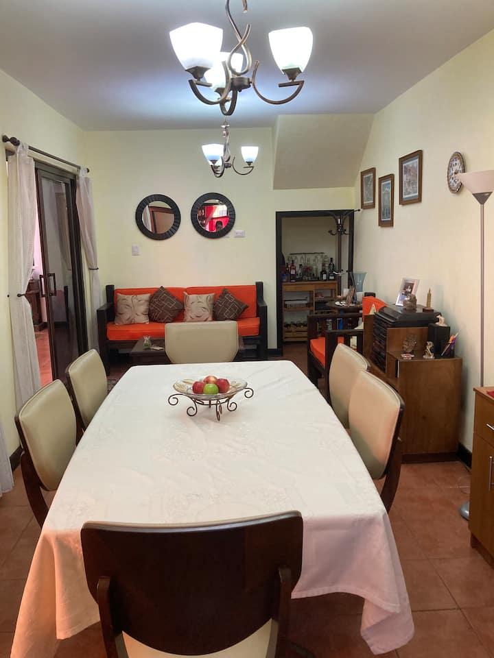 Casa en Barrio Las Campanas, 8 minutos de Antigua