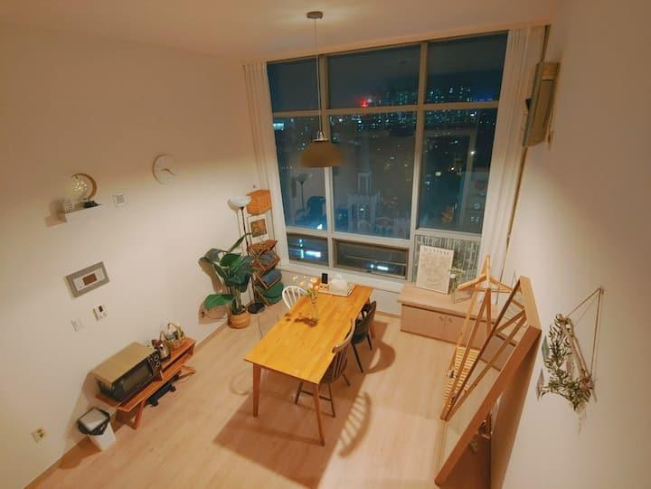 (수유역5분)🌃통창으로 보는[city view]복층형, 넓은식탁과 감성있는 공간#매일소독