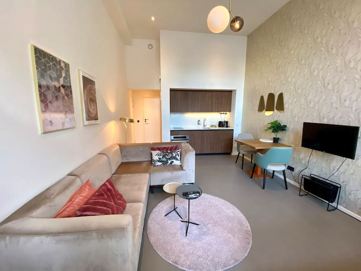 Stylish studio in vibrant area of Utrecht city