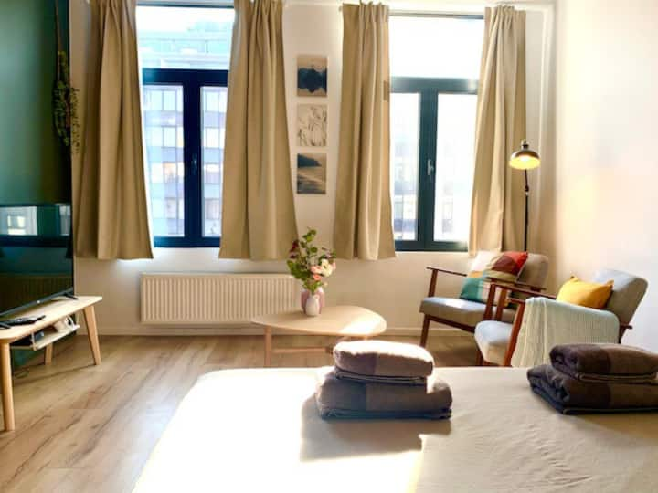 ★ ★★Charming and bright Studio in the heart of Antwerp ★★