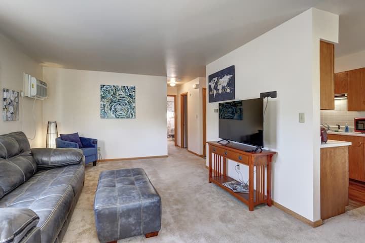 Secure upstairs apartment great for family.