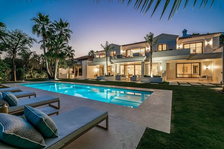 Spacious Contemporary Estate in Topanga