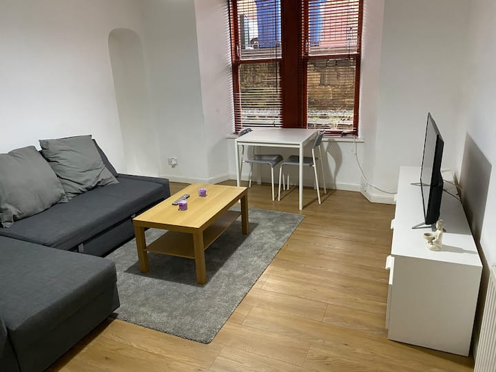 Modern Apartment in Glasgow City Centre & West End