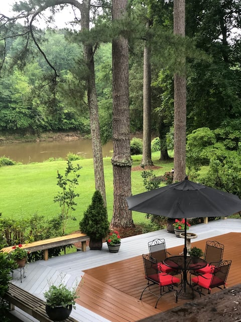 Private Riverfront Studio Raleigh Waterfront