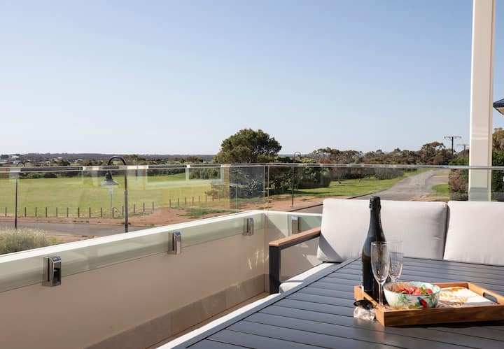 Australian Luxury Stays - SUNNYSIDE SELLICKS BEACH