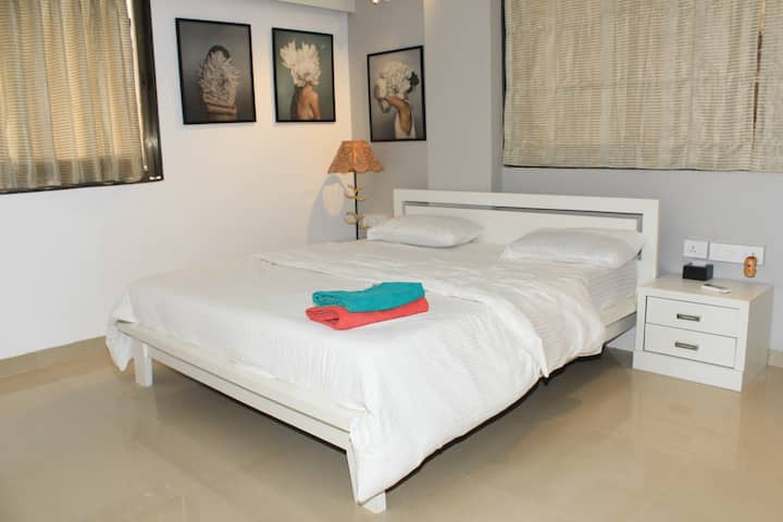 [LAUNCH PRICE] Lilou- Spectacular studio at Bandra