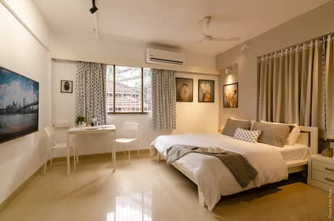 Lilou- Spectacular studio at Bandra [SANITIZED]
