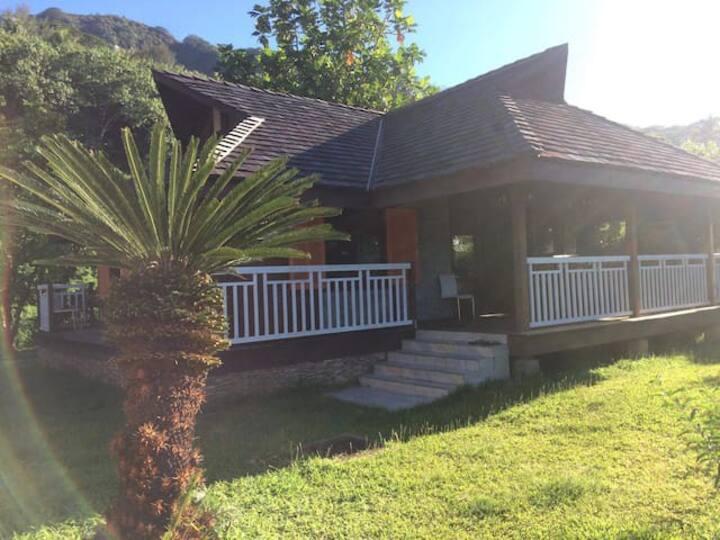 Chambre dans villa accès privé au lagon