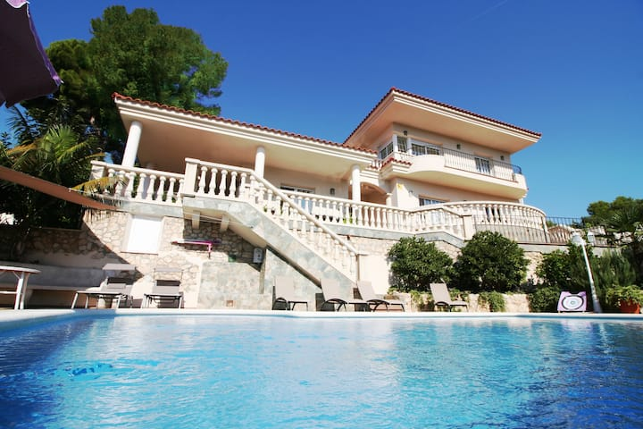 Villa Rubí, your holiday home with private pool