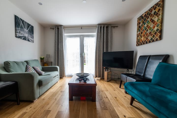 Sun-Filled 4 BDR House w/Garden, Elephant&Castle