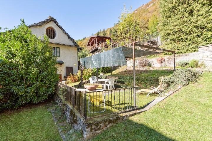 *Casa Lina*Dimora d'epoca x7 con giardino e camino