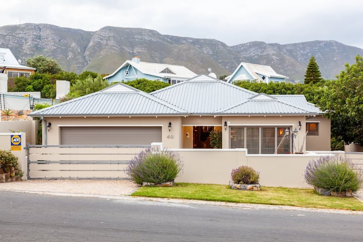 Luxury Holiday Home Hermanus Breakfastbay Delight