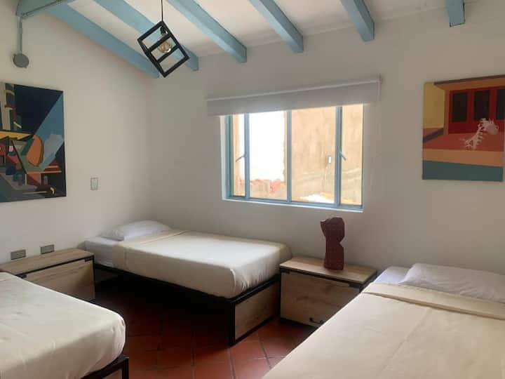 Rapsodia Hostel- Habitación familiar en hotel