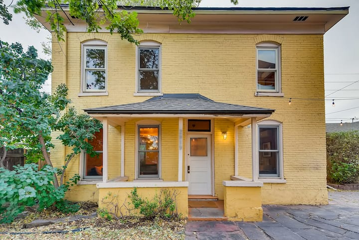Newly-renovated carriage house in heart of RiNo!