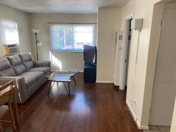 Cozy, roomy 1 bedroom home in Cincinnati