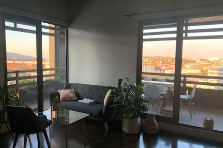 Sunny Maboneng Apartment with Stunning Views