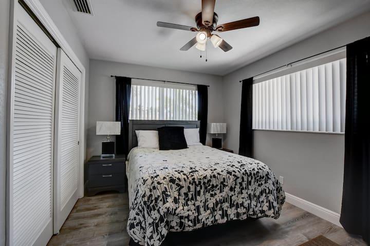 Bedroom #3 with queen set