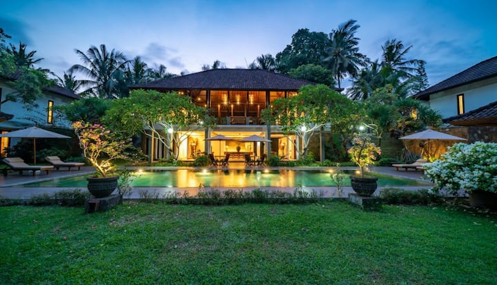 Spacious 8 Bedroom Private Pool Villa Ubud