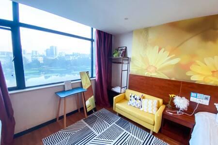 住家公寓/近街道口/武汉大学/光谷广场/东湖/一室湖景房