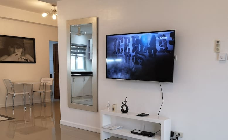 55 inch led TV with HD cable channels.