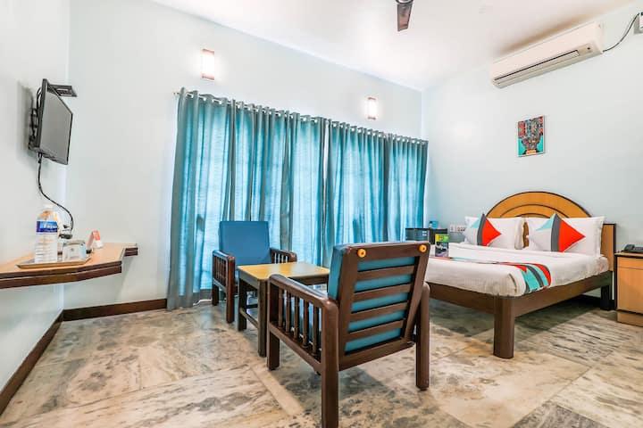 Santhi Inn Near Pondicherry Beach