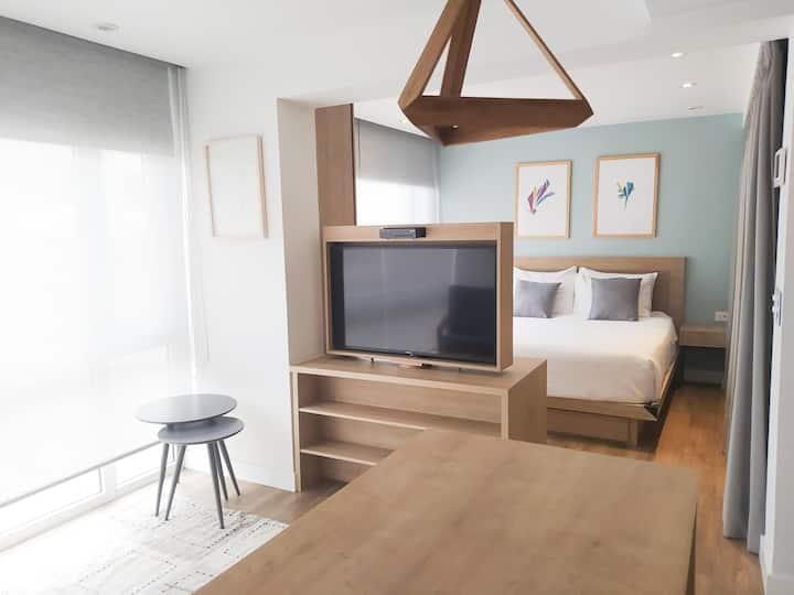 ¡Urban Heights! Apart  1 dorm+ sala+cocina.