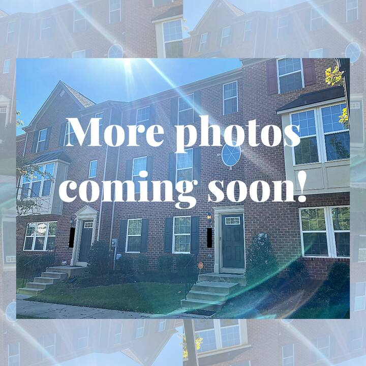 Cozy Modern Townhome - Renting Private Rooms- FULL