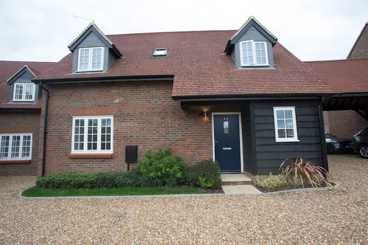 Modern 3 bedroom home in the Chiltern Hills
