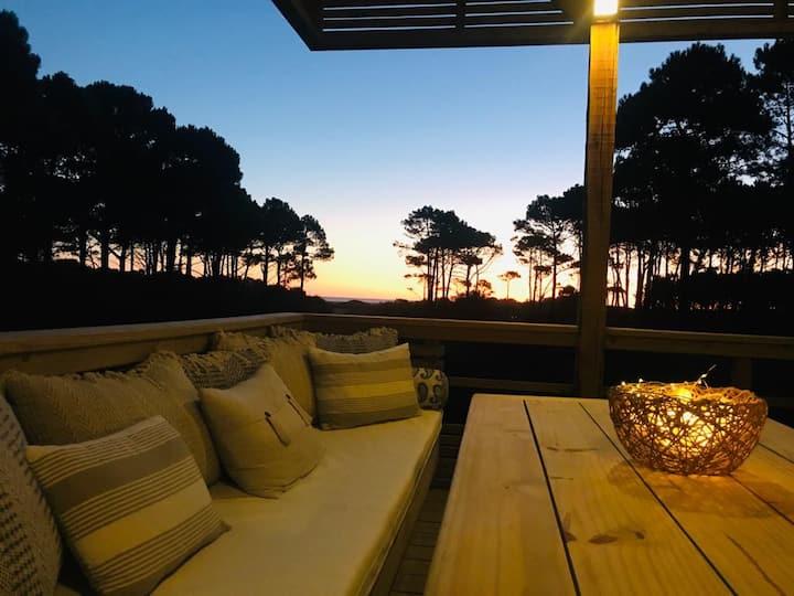 Exclusiva casa a estrenar vista al Bosque y al mar