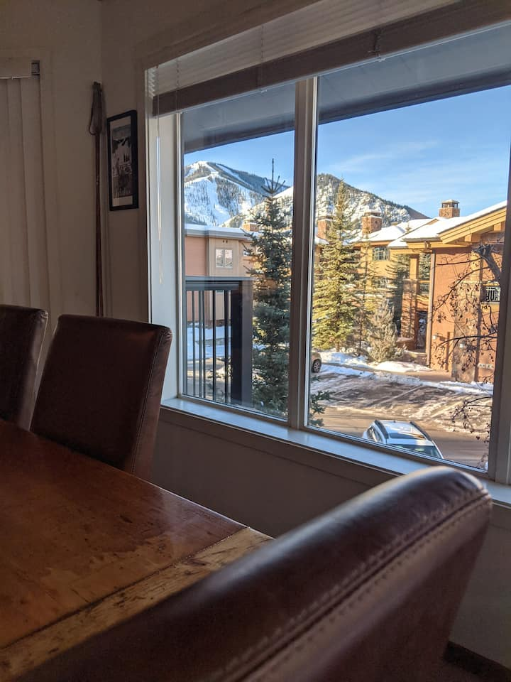 Spacious Condo with stunning views of Baldy!