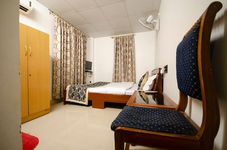 TIA-INN Homestay (Room 206)