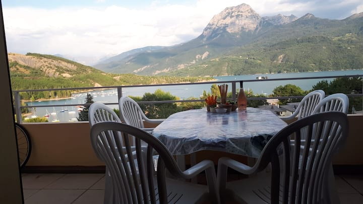 Séjourner au grand paradis avec grande terrasse