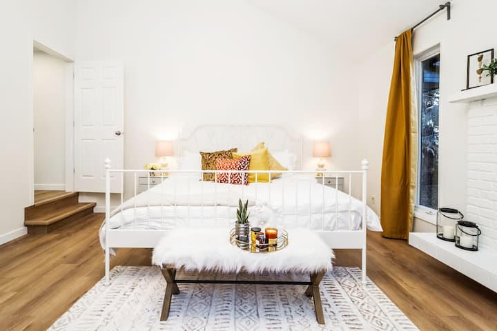 ★Chic Home★ King Bed★ Fast Wifi✔ Long Stays★Clean!