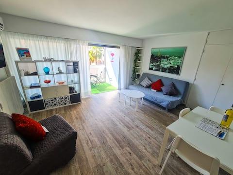 Studio spacieux et moderne en bord de mer Lavandou