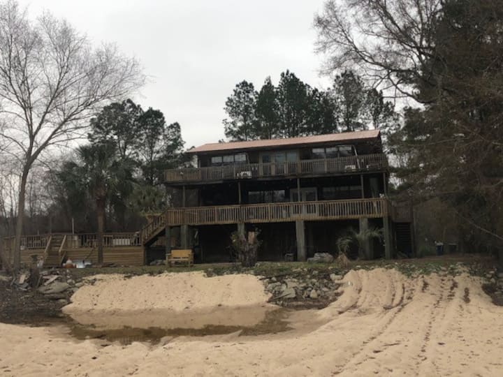 Ogeechee River Retreat- cabin with a view