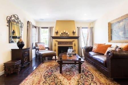 Luxe Modern Private Home in LA w/ Pool! (CDC Safe)